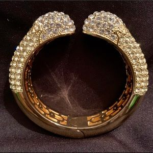 JOAN BOYCE Jewelry - JOAN BOYCE HINGED KISSABLE CUFF NEW IN POUCH